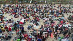 El gobernador de Texas cierra cruces fronterizos con México entorno a oleada de inmigrantes ilegales