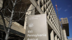 Juez concuerda con el DOJ sobre credibilidad de supremacista blanco como informante del FBI