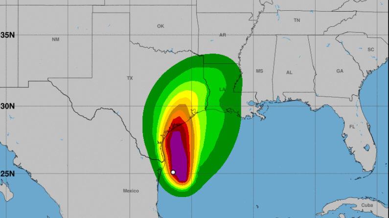 Imagen cedida el 13 de septiembre de 2021 por la Oficina Nacional de Administración Oceánica y Atmosférica de Estados Unidos (NOAA), a través del Centro Nacional de Huracanes (NHC), en la que se registró la localización de la tormenta Nicholas, a la 01.00 hora local (05.00 GMT). NOAA-NHC