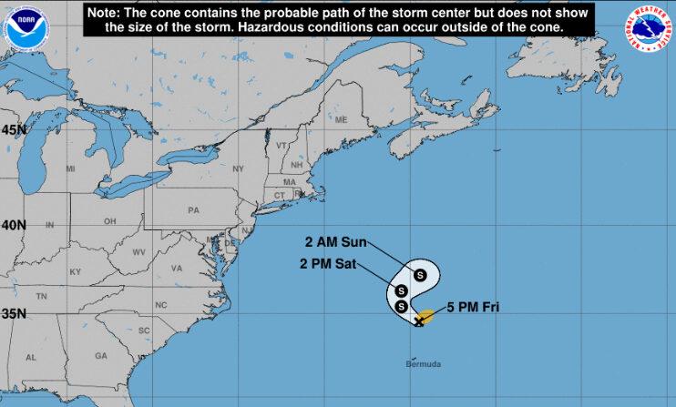 Imagen cedida el 24 de septiembre de 2021 por la Oficina Nacional de Administración Oceánica y Atmosférica de Estados Unidos (NOAA), a través del Centro Nacional de Huracanes (NHC), en la que se registró la localización de la tormenta subtropical Teresa, a las 17.00 hora local (21.00 GMT). NOAA-NHC
