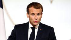 Filtran código QR del pasaporte de vacunas del presidente Macron por Internet