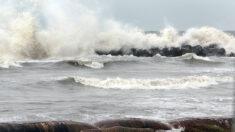Buzos identifican tubería rota derramando petróleo en el Golfo de México