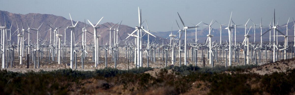 Reciclaje de aspas de turbinas viejas plantea problemas para utilización de energía eólica