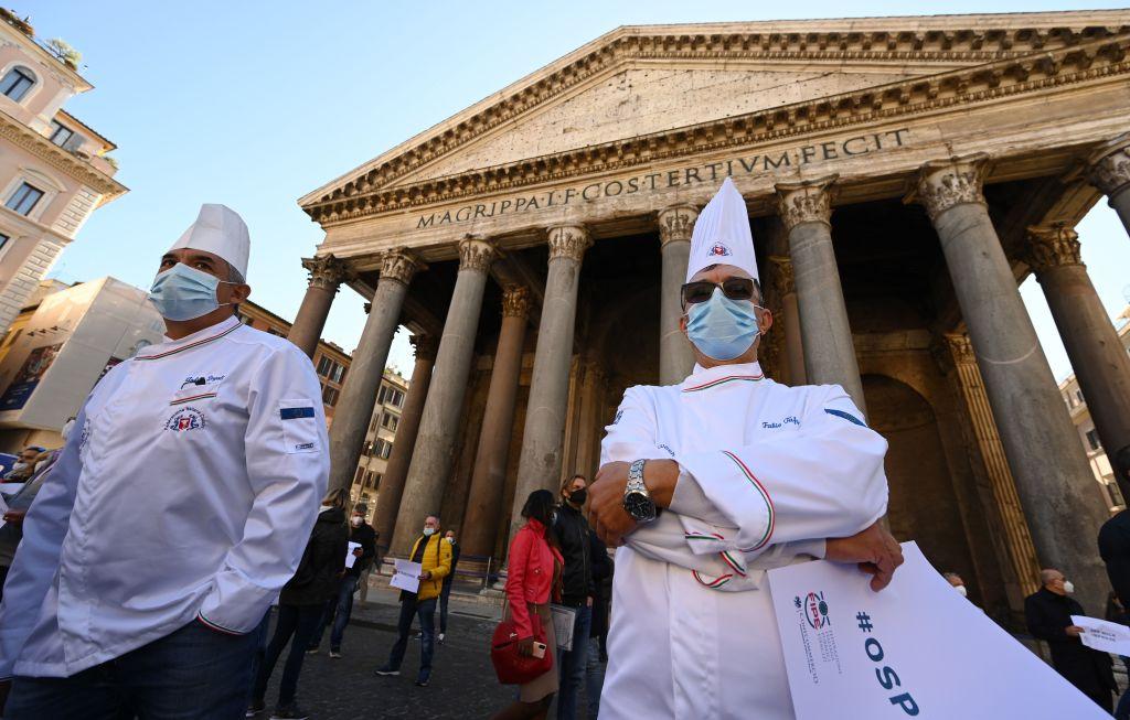 Italia hará obligatorio el pasaporte de vacunación para todos los trabajadores, dice ministra