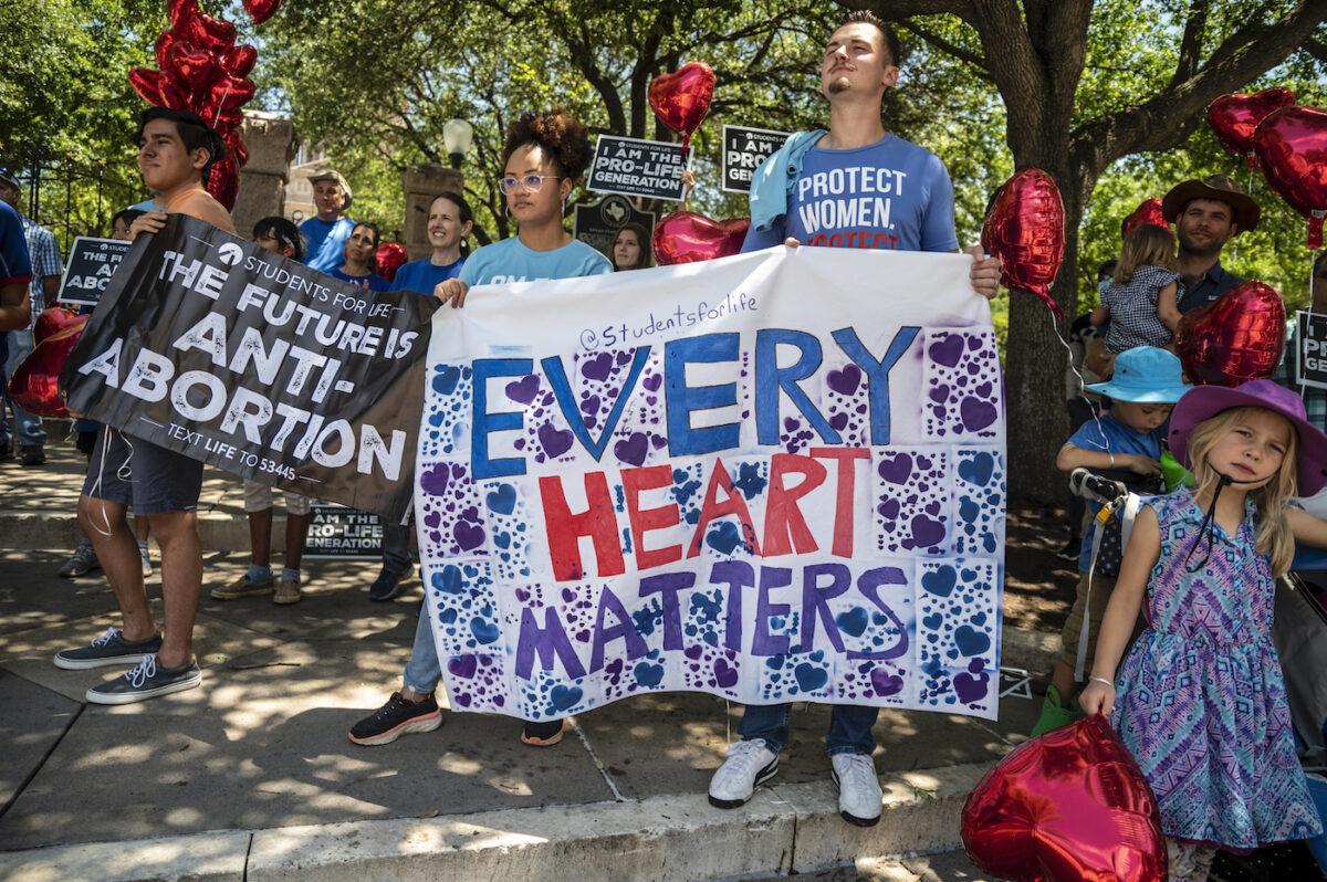 Nueva táctica legal sirve a ambos lados en la batalla del aborto