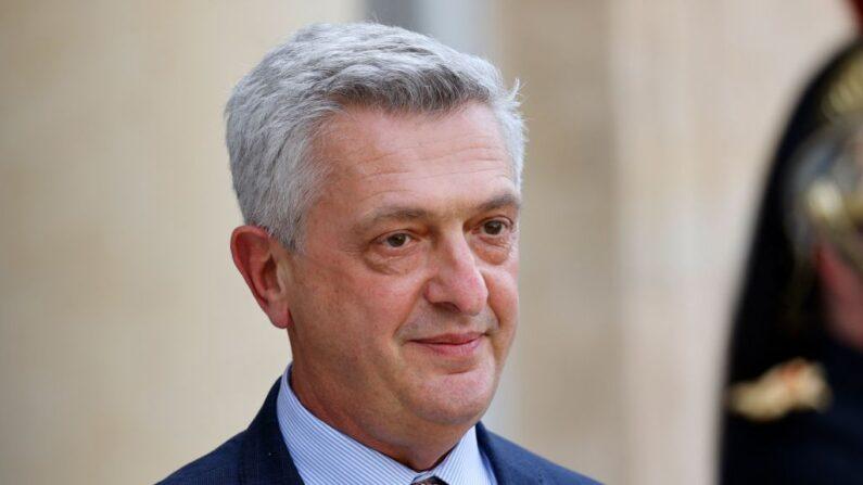 El alto comisionado de la ONU para los Refugiados, el italiano Filippo Grandi, posa a su llegada a una reunión con el presidente francés en el Palacio del Elíseo en París (Francia) el 1 de julio de 2021. (Ludovic Marin/AFP vía Getty Images)