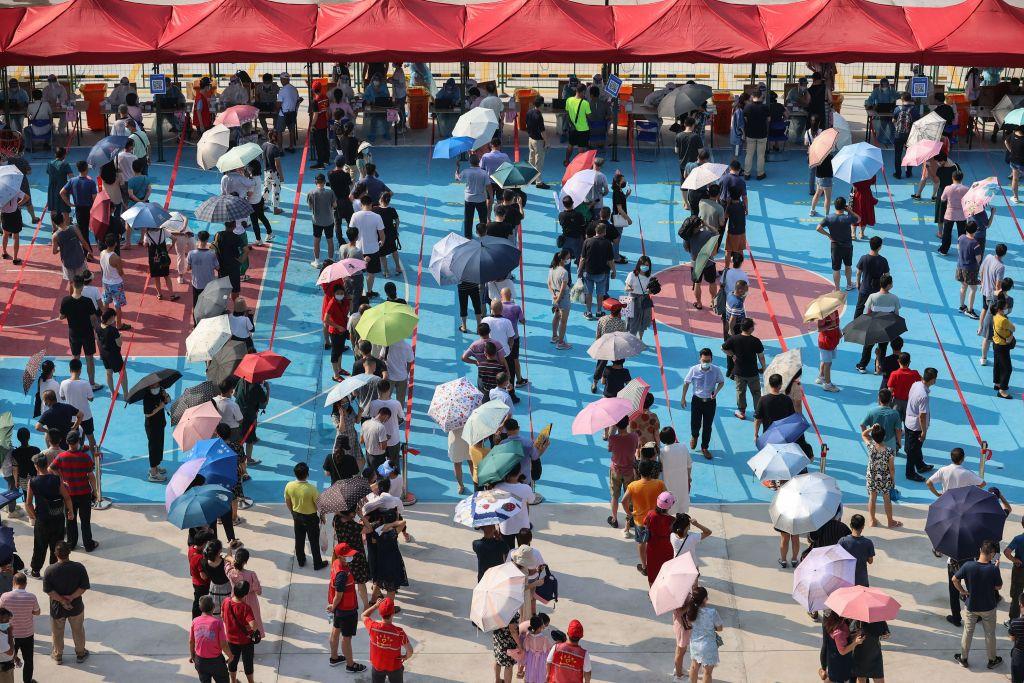 Beijing afirma haber vacunado completamente a más de mil millones de personas