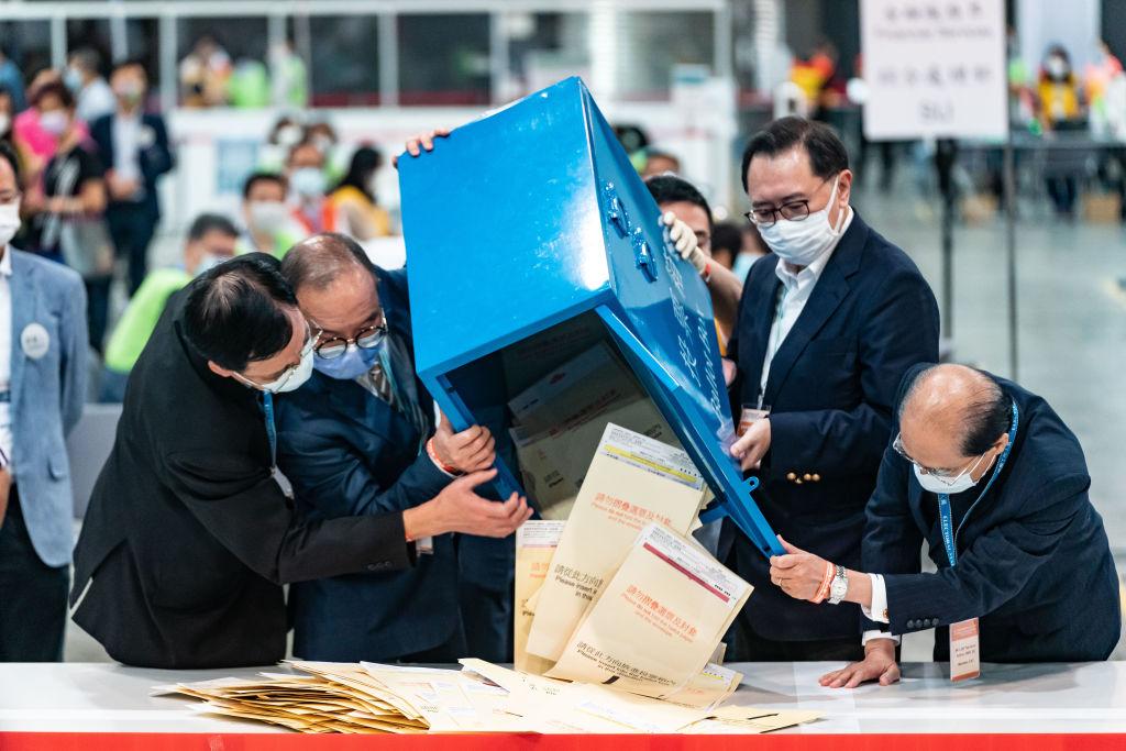 La China comunista está destruyendo la democracia de Hong Kong