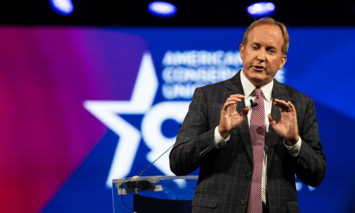 El fiscal general de Texas, Ken Paxton, habla durante la Conferencia de Acción Política Conservadora (CPAC) celebrada en el Hilton Anatole el 11 de julio de 2021 en Dallas, Texas. (Brandon Bell/Getty Images)