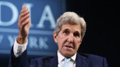 Critican a John Kerry por restar importancia a pregunta sobre crímenes del PCCh contra uigures