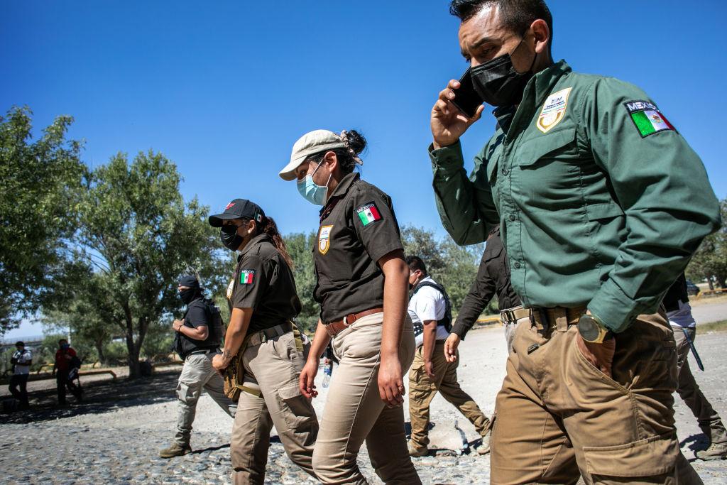 Autoridades de México y EE.UU. se reúnen en la frontera ante la crisis migratoria