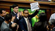 Liberan a un exdiputado opositor venezolano tras seis meses de detención