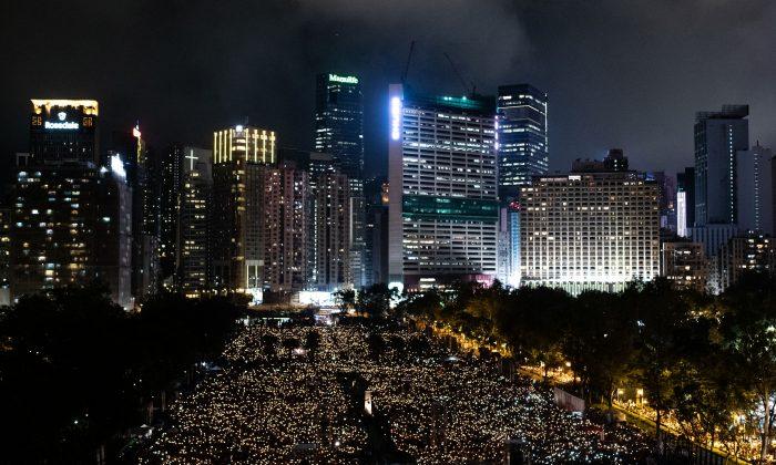 Supervivientes de la masacre de Tiananmen se preocupan por represión contra grupo prodemocracia en HK
