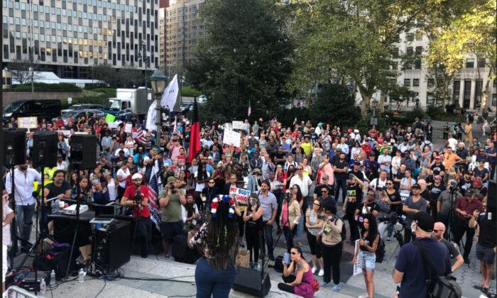 """Protesta contra los decretos de vacunación en Nueva York: """"Este es un punto de inflexión"""""""