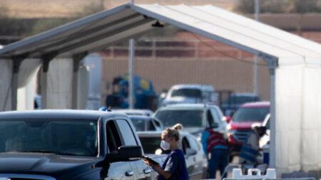 Tucson suspende decreto de vacunas después que el fiscal general de Arizona lo consideró ilegal