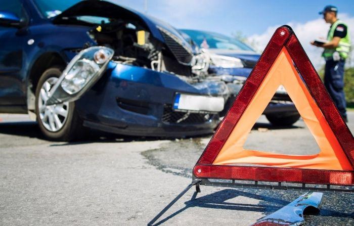 Comisario argentino se salva de extraño accidente: ¡Su auto voló!