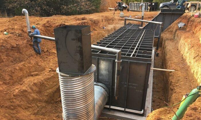 Este refugio cuadrado modular es uno de los modelos reforzados que Atlas Survival Shelter construye en su planta de construcción, en Texas. (Foto de la empresa)