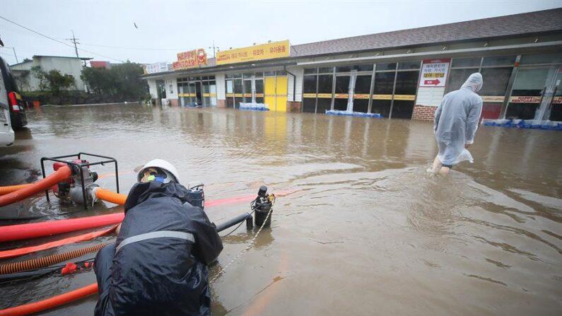 Inundaciones en Seogwipo (Corea del Sur) 16/09/2021. EFE/EPA/Yonhap