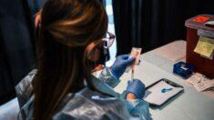 Jueza de Florida detiene la orden de vacunación contra COVID-19 de una ciudad
