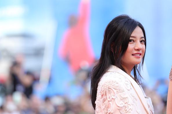 La actriz china Zhao Wei asiste a la ceremonia de clausura de la 73ª edición del Festival de Cine de Venecia en la Sala Grande de Venecia, Italia, el 10 de septiembre de 2016. (Vittorio Zunino Celotto/Getty Images)