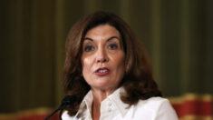 La Guardia Nacional de NY podría reemplazar a los trabajadores de la salud no vacunados: Gobernadora