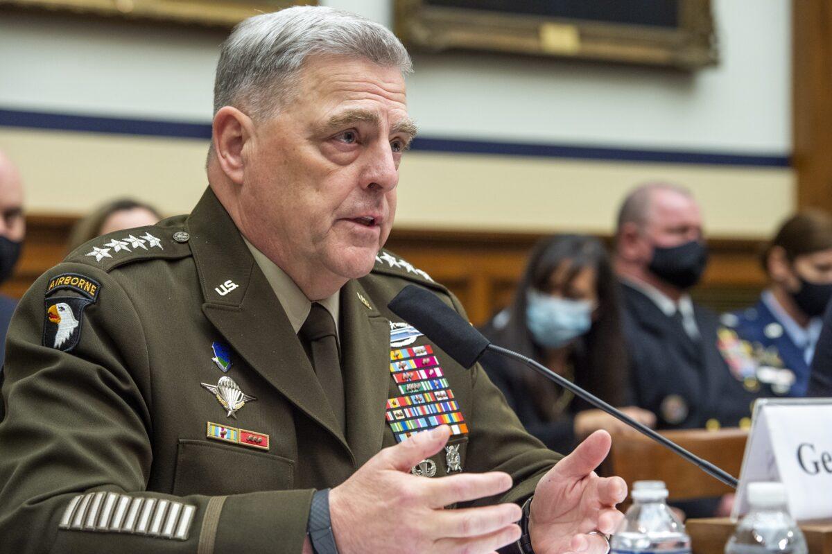 """General de EEUU dice que el presunto ensayo de misiles hipersónicos de China es un """"momento Sputnik"""""""