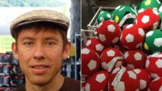 """Joven vende pelotas disfrazado de Quico y estudia 3 profesiones: """"Ya me llaman profesor Quico"""""""