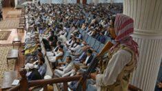 Refugiado dice que los talibanes están afianzando su control en Kabul con amenazas y coacción