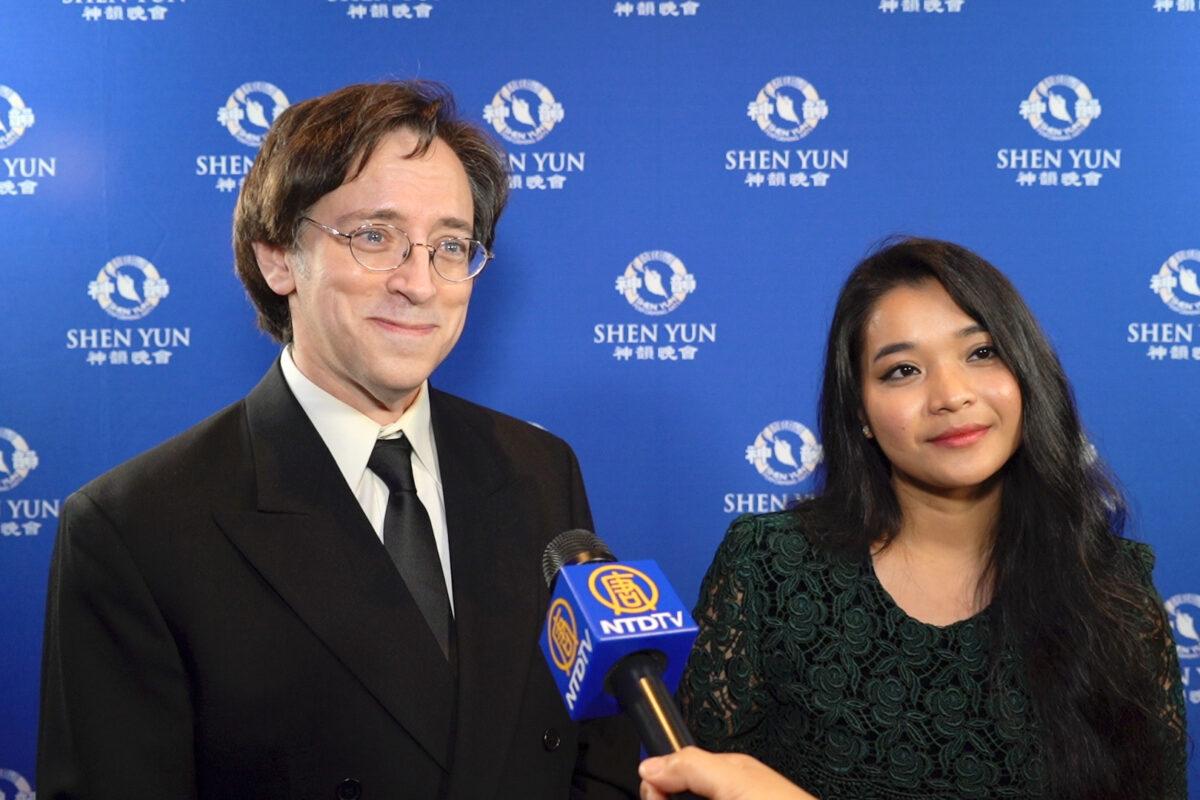 """Shen Yun """"saldrá en los libros de historia algún día"""", dice autor de best-sellers"""