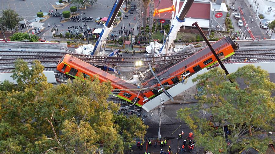 Fiscalía de Ciudad de México denuncia a 10 personas por colapso del metro