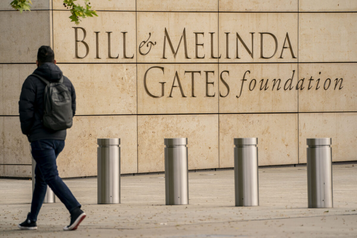 Fundación Gates donará USD 120 millones para ampliar distribución de píldora COVID-19 a países pobres