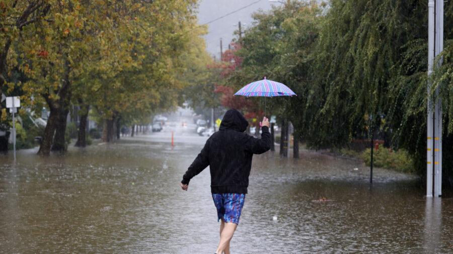 Tormenta en costa oeste bate récord mientras otra amenaza a 70 millones de estadounidenses en el este