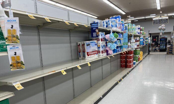 """""""La población está acaparando"""", dicen empresarios advirtiendo posible escasez de alimentos"""