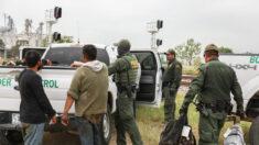 """Gobierno de Biden dice que está preparado para restablecer programa """"Permanecer en México"""" el próximo mes"""