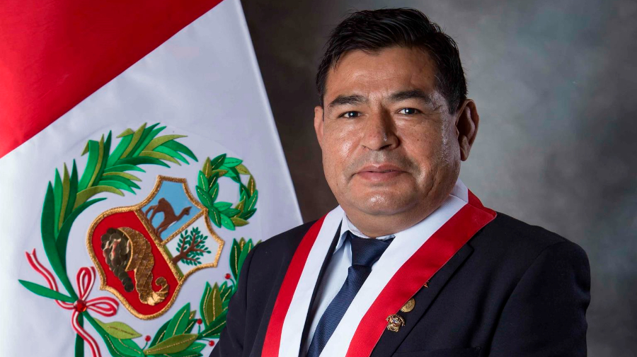 Muere congresista de Perú durante debate de voto de investidura del Gobierno
