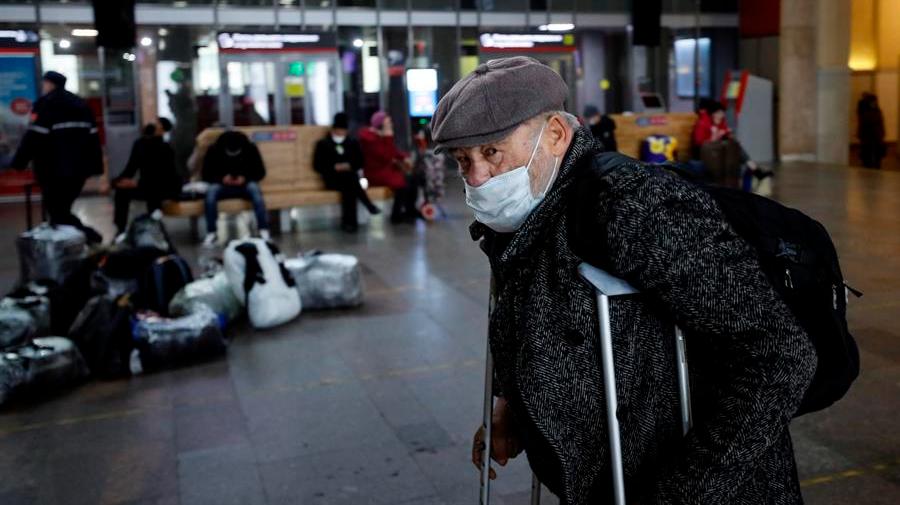Rusia vuelve a registrar récord de muertes por covid-19 con 1015 en un día