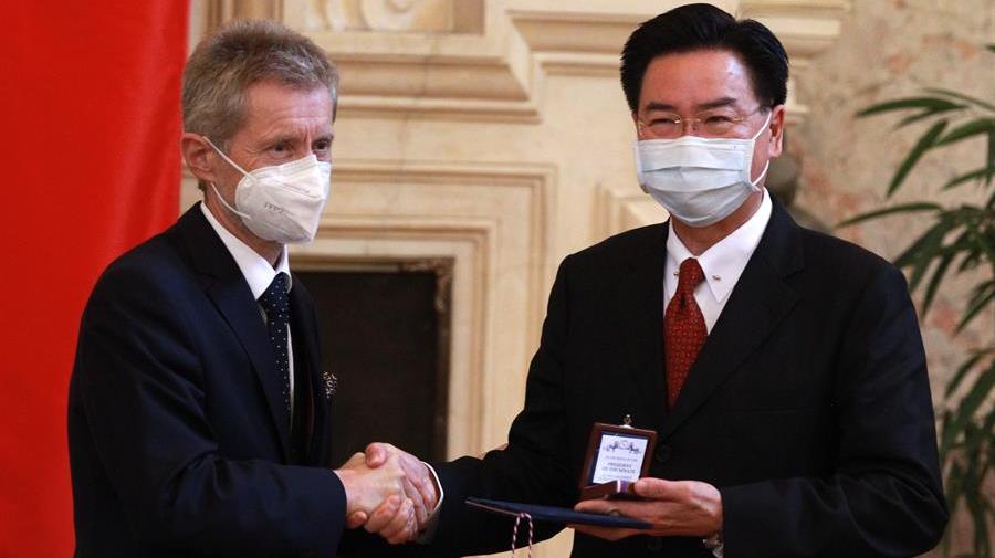 Taiwán promete en la República Checa que defenderá su democracia y libertad ante China