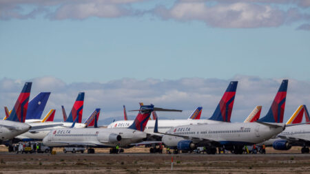 Southwest Airlines pide a una corte que rechace las denuncias contra su norma de vacunación COVID-19