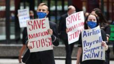 Cientos de trabajadores de Boeing protestan en el estado de Washington al recibir orden de vacunación