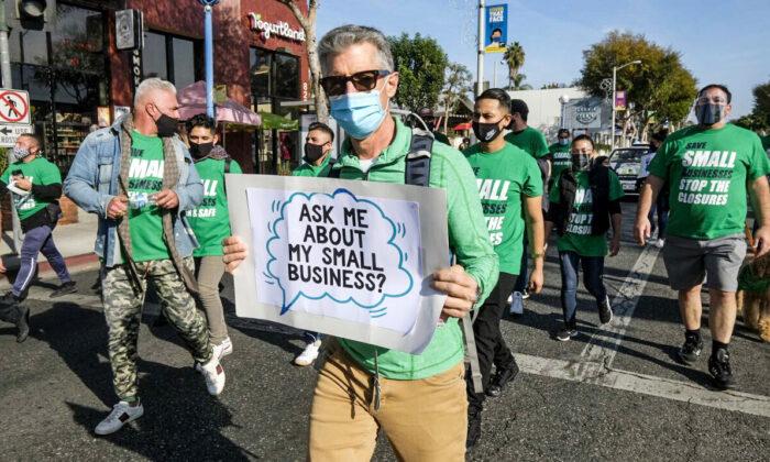 Dueños de pequeñas empresas dicen que escasez de trabajadores es el mayor problema que enfrentan