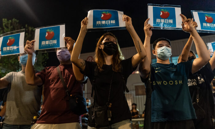 La libertad de prensa en Hong Kong está asediada, dice exdirector del Apple Daily