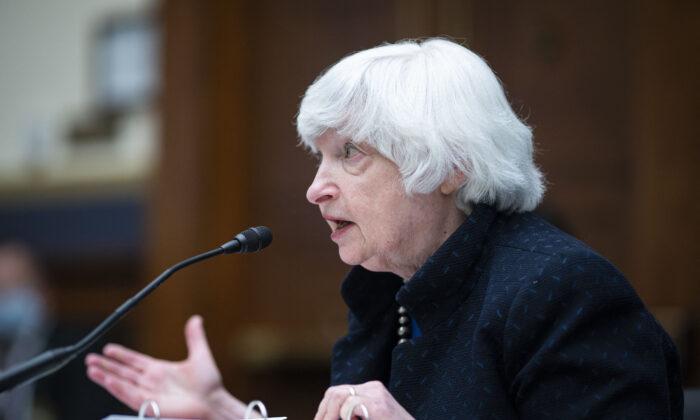 Secretaria del Tesoro de EE. UU. mantiene conversaciones con negociador de China