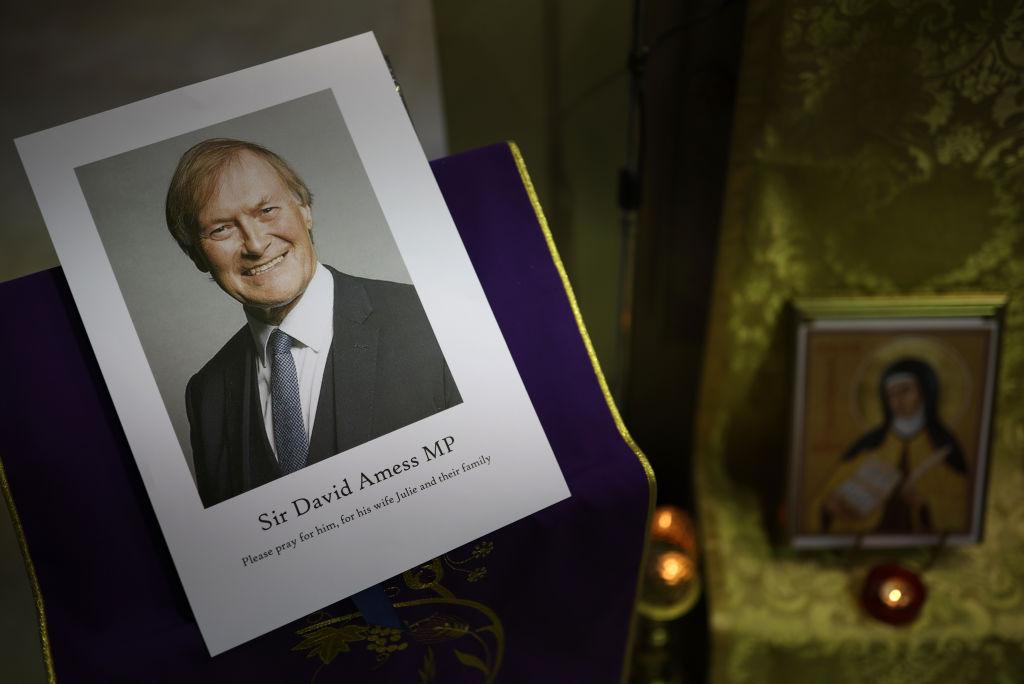Policía declara asesinato del legislador británico como un acto terrorista