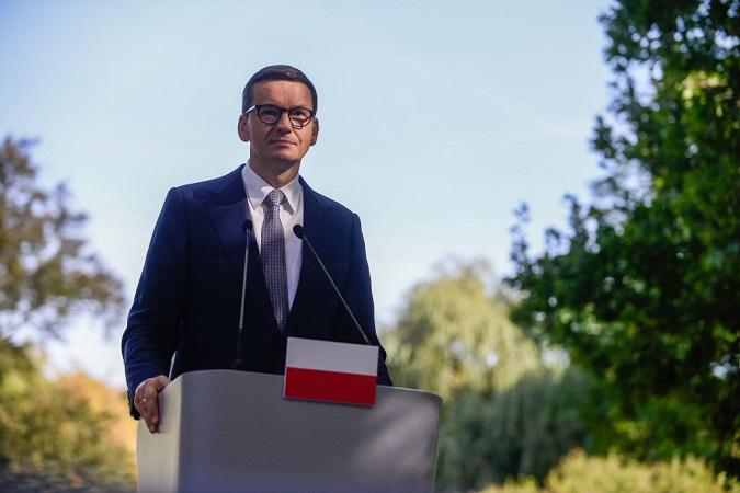 """Polonia no se dejará """"chantajear"""" para aceptar leyes de la Unión Europea: Primer ministro Morawiecki"""