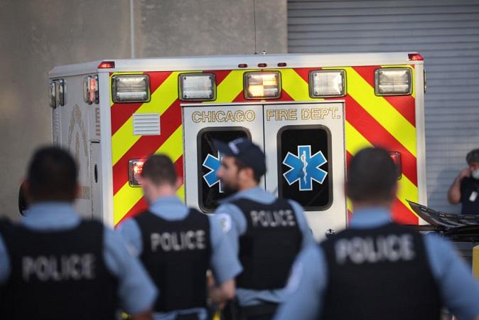 Más de 3000 policías de Chicago desafían orden de reportar estado de vacunación: Presidente de sindicato