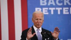 Junta escolar contactó a Biden antes de enviar carta comparando a padres con terroristas domésticos