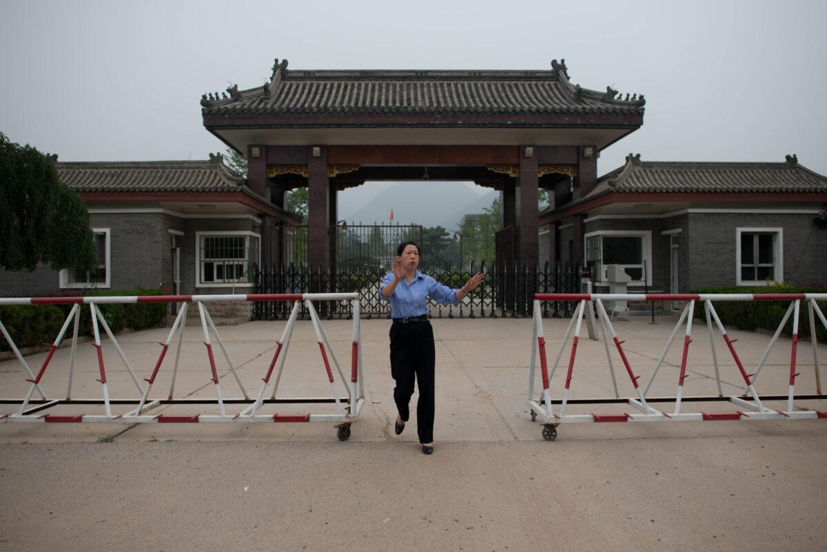 Beijing encarceló al menos a 100 practicantes de Falun Gong en septiembre: informe