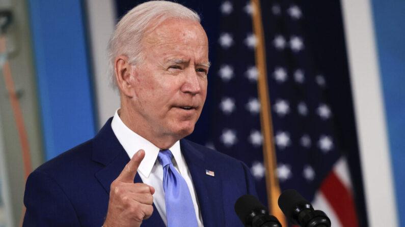 El presidente Joe Biden habla en una rueda de prensa en Washington, el 8 de octubre de 2021 (Chip Somodevilla/Getty Images)
