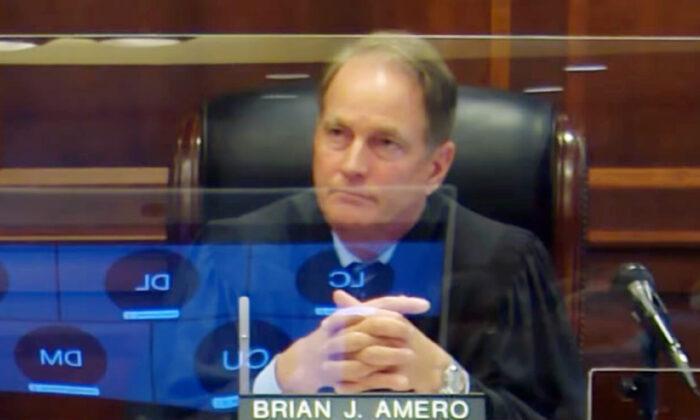 Juez de Georgia desestima caso de revisión de votos de las elecciones 2020 en condado de Fulton