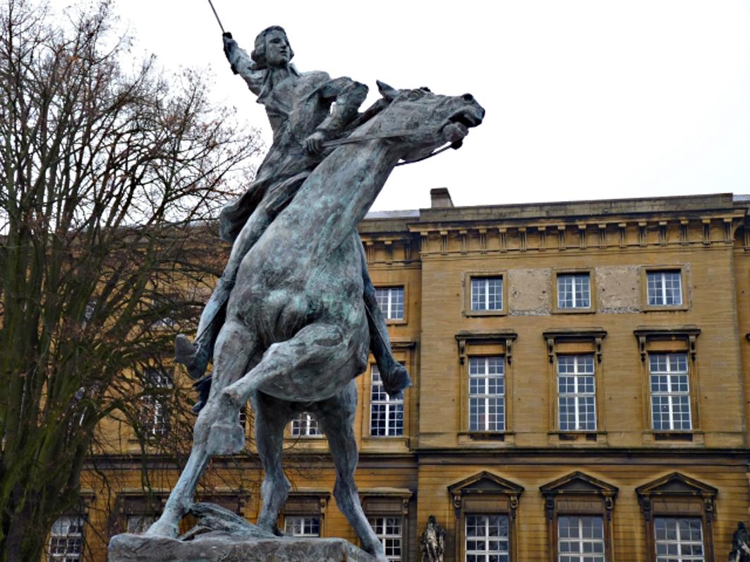 """Reseña del libro """"Héroe de dos mundos: El marqués de Lafayette en la era de la revolución"""""""